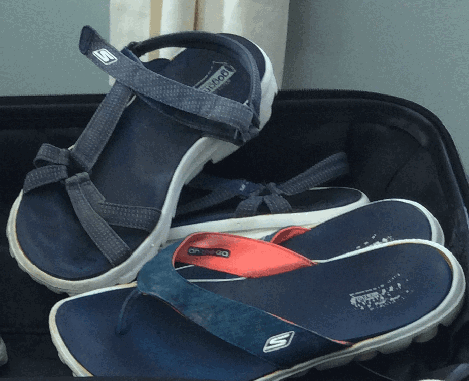 sketchers lightweight sandals